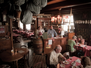 Charming restaurants and local pubs